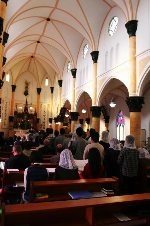 訪れた日がたまたま日曜日で、ちょうどミサが行われていました。多くの方々が参列していました。