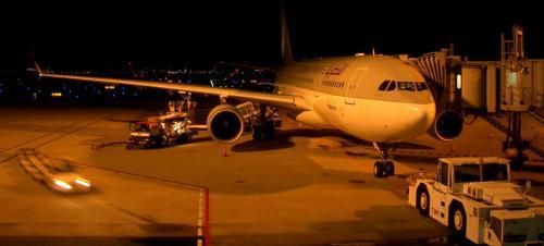 今回は、絵仲間2人との3人旅。 <br />2005年10月17日出発、<br />11月6日帰国の20日間です。 <br /><br />関空からカタール航空にて出発。