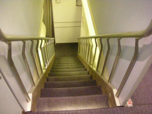 2Fから見た階段。