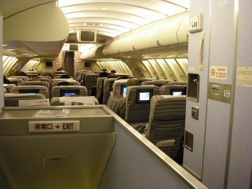 2F席後方から。<br />2F席は収納スペースが多いから好き。