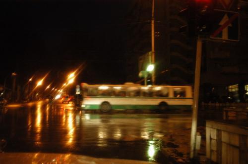 ドゥシャンベの市バスとイルミネーション
