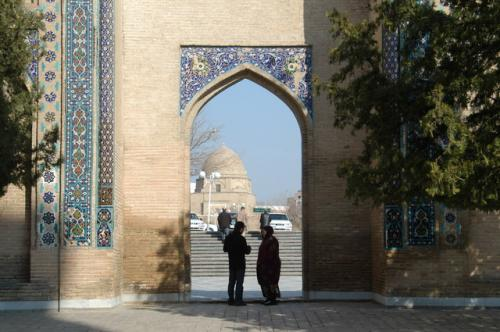 チムール廟入り口