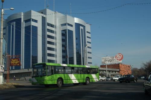 消防庁の建物、タシケントでは新しい建物にはこのようなデザインが多い。