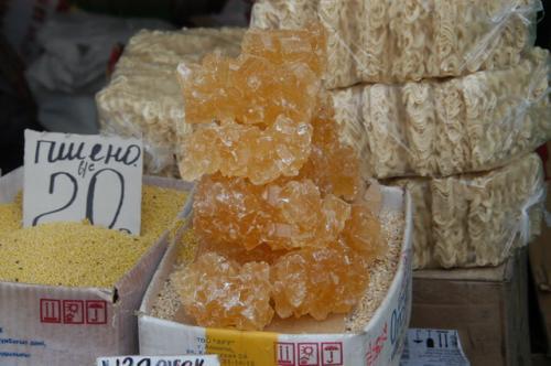 何かと思ったら砂糖の結晶だった。