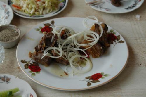 シャシリックではなく、茹でてローストしたようなラム肉、これがけっこう美味しかった。