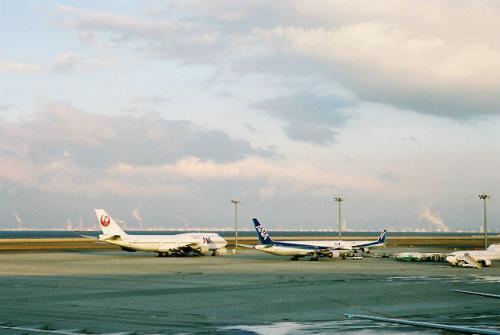 朝の中部国際空港である。<br />これから、出発ラッシュを迎えることとなる。