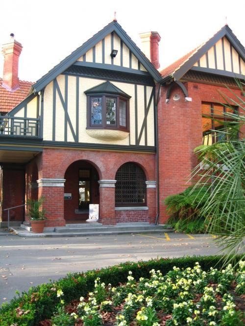 19世紀末の建物 モナヴェイル邸