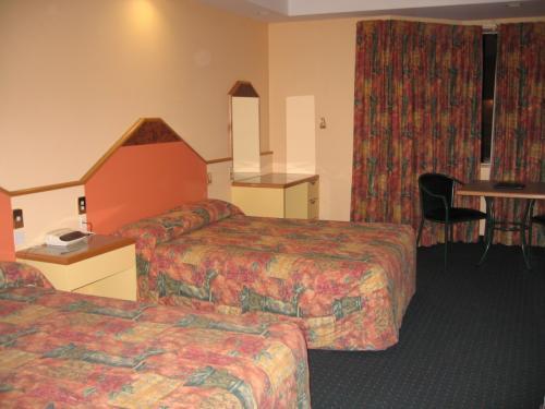 ラクスモア ホテルの部屋(テ・アナウ)<br />このホテルでもハプニングあり<br /><br /><br />明日は<br />いよいよミルフォードサウンドで〜す。