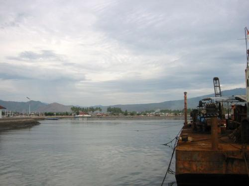 ビマ近くの港から出発