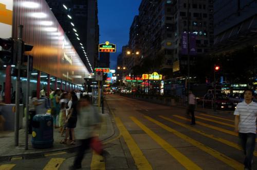 彌敦道、夜の様子。