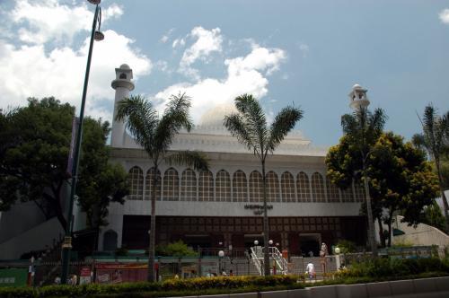 加拿分道口辺りにある例のモスク。<br />九龍公園にくっついて建っています。