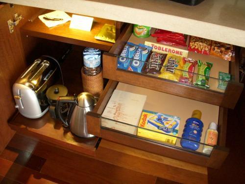 紅茶、コーヒー、ミネラルウォーターは無料です。