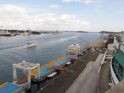 マリンゲート塩釜から出航した松島遊覧の観光船