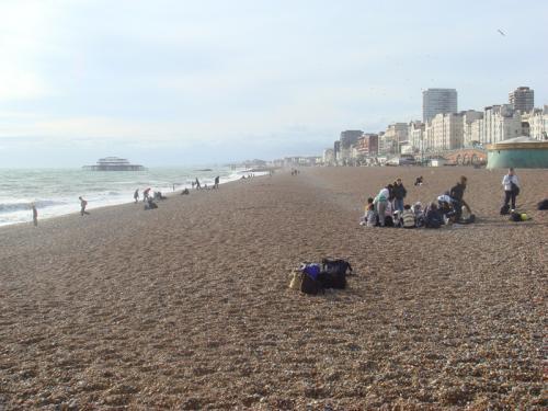 ブライトンのビーチ。9月下旬なので水着の人はゼロでした。