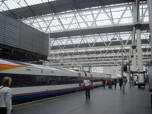 Plymouth行きの列車です。空席を見つけて適当に乗車。