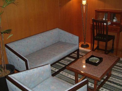 6畳分ほどの洋室。<br />木のぬくもりが落ち着かせてくれます。明かりの取り方にも、センスのよさを感じました。