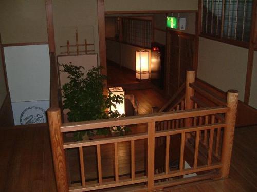 建物は、昭和初期の古い木造旅館をリニューアルしたもの。風情も趣きもあって、本当に格好いいんです。