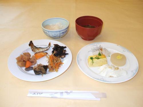 私の朝食メニュー(和食編)。少量多品種で、どれも美味しい。