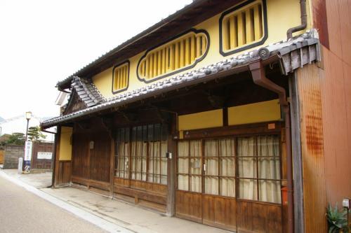 鶴屋<br />玉屋、会津屋とともに関宿を代表する旅籠。江戸時代の終わりには脇本陣もつとめた。