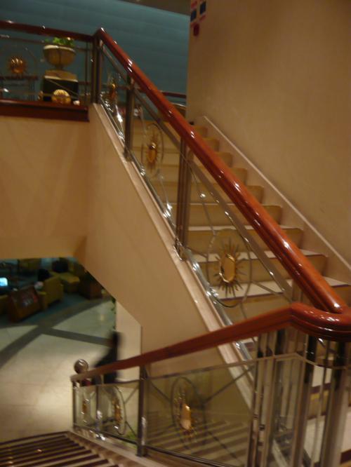 ドバイ国際空港ラウンジ<br /><br />http://www.emirates.com/jp/japanese/flying/lounges/dubai_airport_lounges.aspx