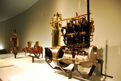 エンジン部分。