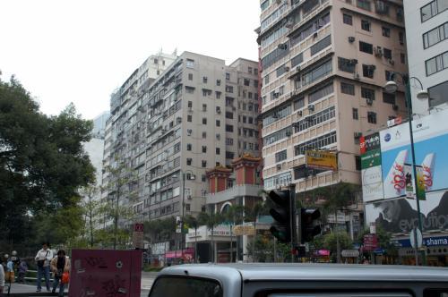 九龍公園南東角口。<br />丁度、海防道と弥敦道との交差点になります。