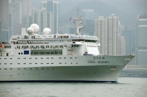 この船から眺める香港は、また格別な感じでしょうね。<br />いつも九龍方面をうろつくだけなので、画像も同じものばかり。<br />志向を変えて見るには丁度良いかもしれません。<br />いつかの「爺ぃ、○回目の香港旅行」では、この船からの風景をお届け出来れば良いなぁ…