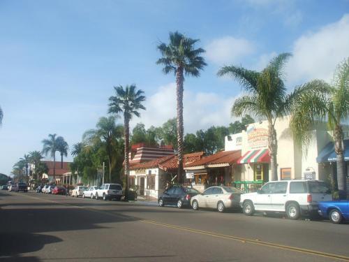 オールドタウンはサンディエゴ発祥の地で、19世紀、メキシコ統治下にあった頃の古い住宅が多数保存されている。写真:サンディエゴ・アベェニュー