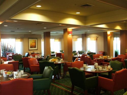 ホテルのレストラン。