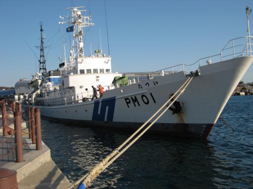 港にとまっていた海上保安庁の巡視船です。<br />海猿のファンなので、巡視船の乗り組み員の人たちが<br />かっこよく見えます。