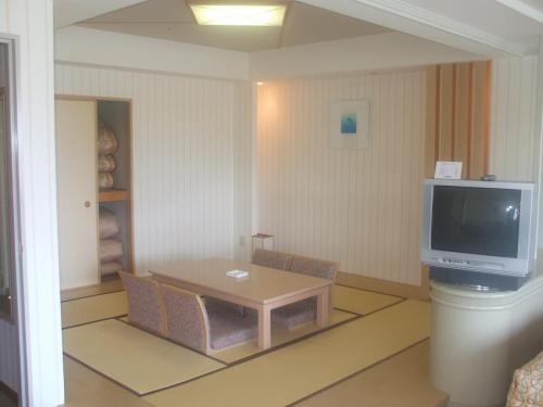907号室の和室。ラージ・グレードとして、Cタイプ〜Eタイプまで宿泊料金は同じなので、Eタイプは非常にお値打ち感がある。