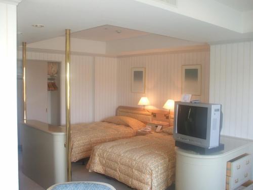 次はアネックス棟スタンダード(Bタイプ洋室)902号室。部屋の広さは36.0?とまずまずの広さ。ルームチャージ(10000円)