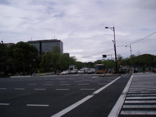 皇居前のデケー交差点