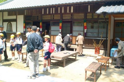 十輪寺<br />ここでは布袋竹の杖がお接待で配られるんぢゃが競争率が高うて朝のうちにすぐなくなったそうでがんした。