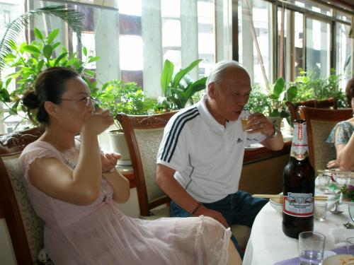延辺といえば長白山、長白山国際観光ホテルの朴正人社長も御参加頂きました。大変お世話になりました。<br /><br />長白山ネット<br />http://www.searchnavi.com/~hp/cbshan/hotel.htm