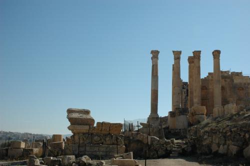 ゼウス神殿は修復途中