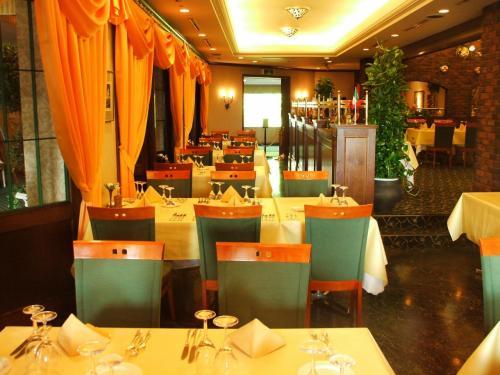 気楽なイタリアレストランであるが高級感もある。
