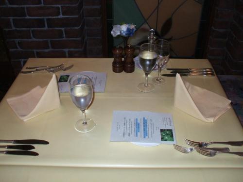 奥まった静かな席をリクエストし、ゆっくりディナーを楽しむ。