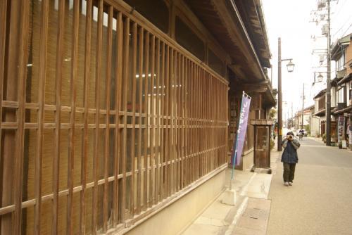 倉吉市内をぶらぶらと散策しました。<br />小京都・倉敷美観地区のようなたたずまいです。<br />米沢たい焼き店のたいやき屋さんでうすかわのたい焼きおいしかったです。