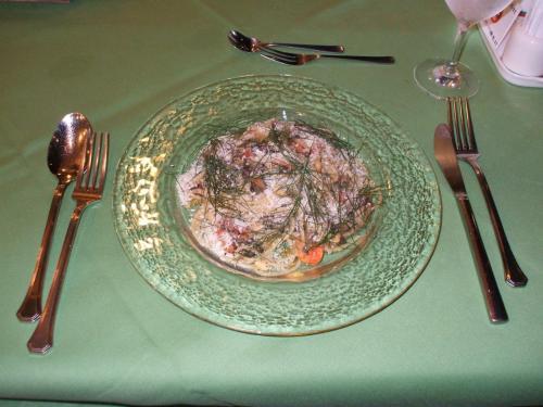 パスタ料理:本日は海の幸が色々入ったパスタ。写真写りはまずいが味はまずまず。