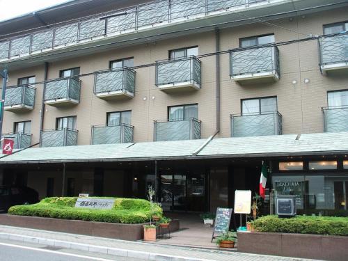 ダイヤモンド鎌倉別邸ソサエティ(写真)は鎌倉市街にあり、由比ヶ浜大通りに面している。ビーチリゾートでもなく、高原リゾートでもない。少々期待外れ。
