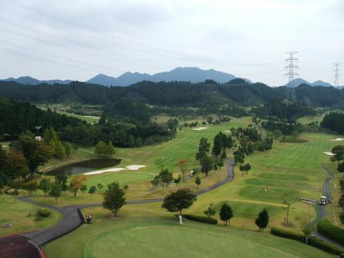 18ホール、パー72の本格的ゴルフコース