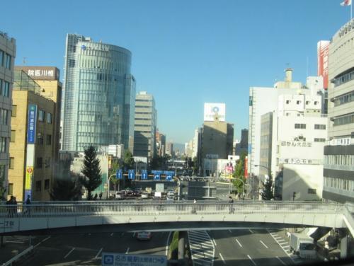 名古屋を通過。<br /><br />新幹線では、あっという間ですね。<br />