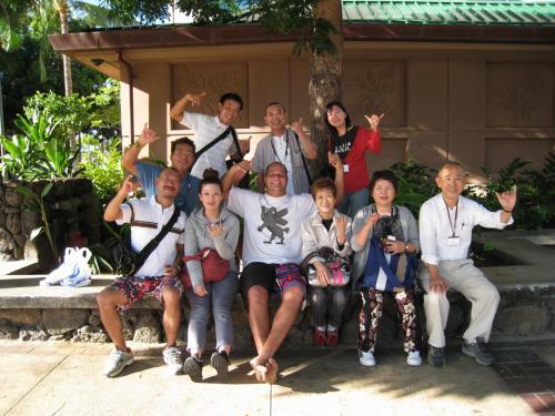 実習が始まる前、引率の先生の友人で日本人観光客用テレビに出演しているサムさんが皆に会いに来てくれました♪超有名人なんですよ!