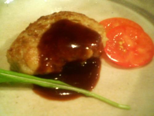 おからステーキ・・・京豆腐のおからに京もち豚を練り込んだというつくね風ハンバーグです。