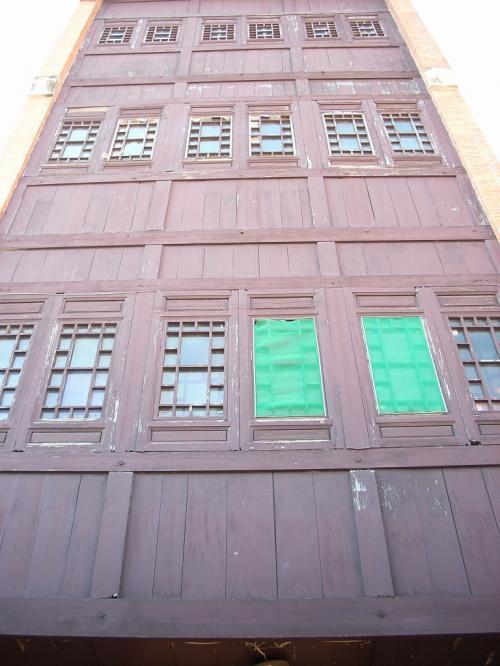 木造四階建て