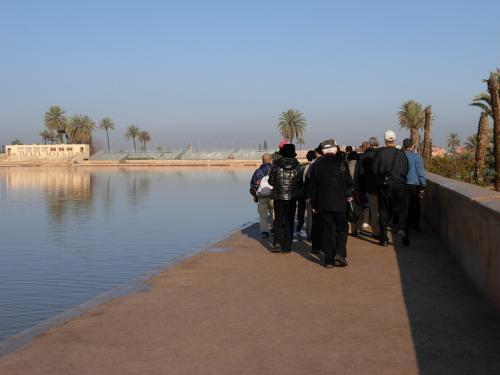 広大な 貯水池では<br />写真の 撮影!は パビリオンを 撮るのみ・・・。