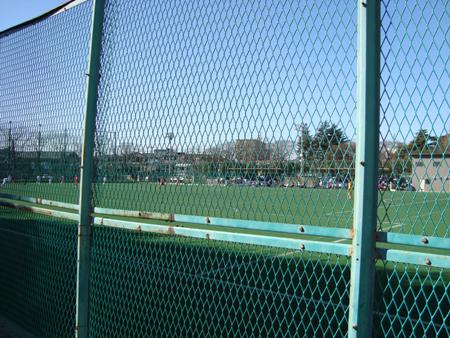 サブグランドでは試合が行われていました。
