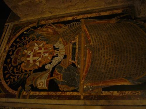 騎士たちの墓碑。細かい大理石の細工がすごい