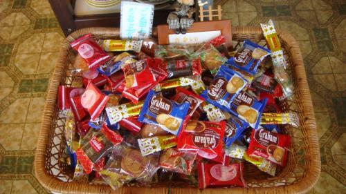 キャンデーも食べ放題。